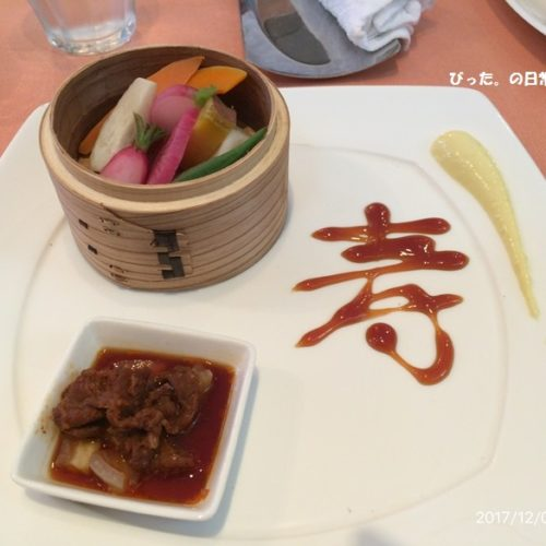 蒸し野菜とお肉の小鉢